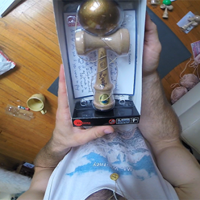 Colin_Sander_Practices_Kendama_14_07_07_6